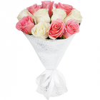 Букет из 11 белых и розовых роз